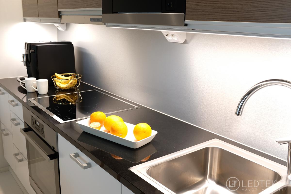 Keittiön led-nauhaprojekti itse tai mittatilaustyönä