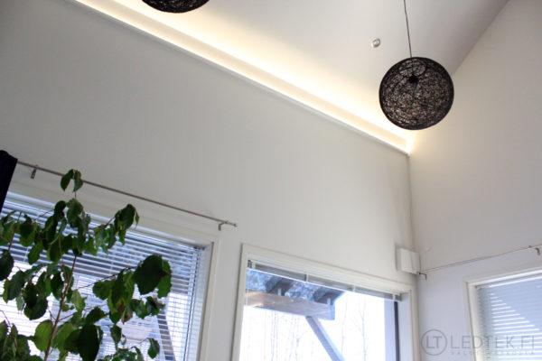 CRI90 LED-nauha 3000-3300K 14.4W 12V