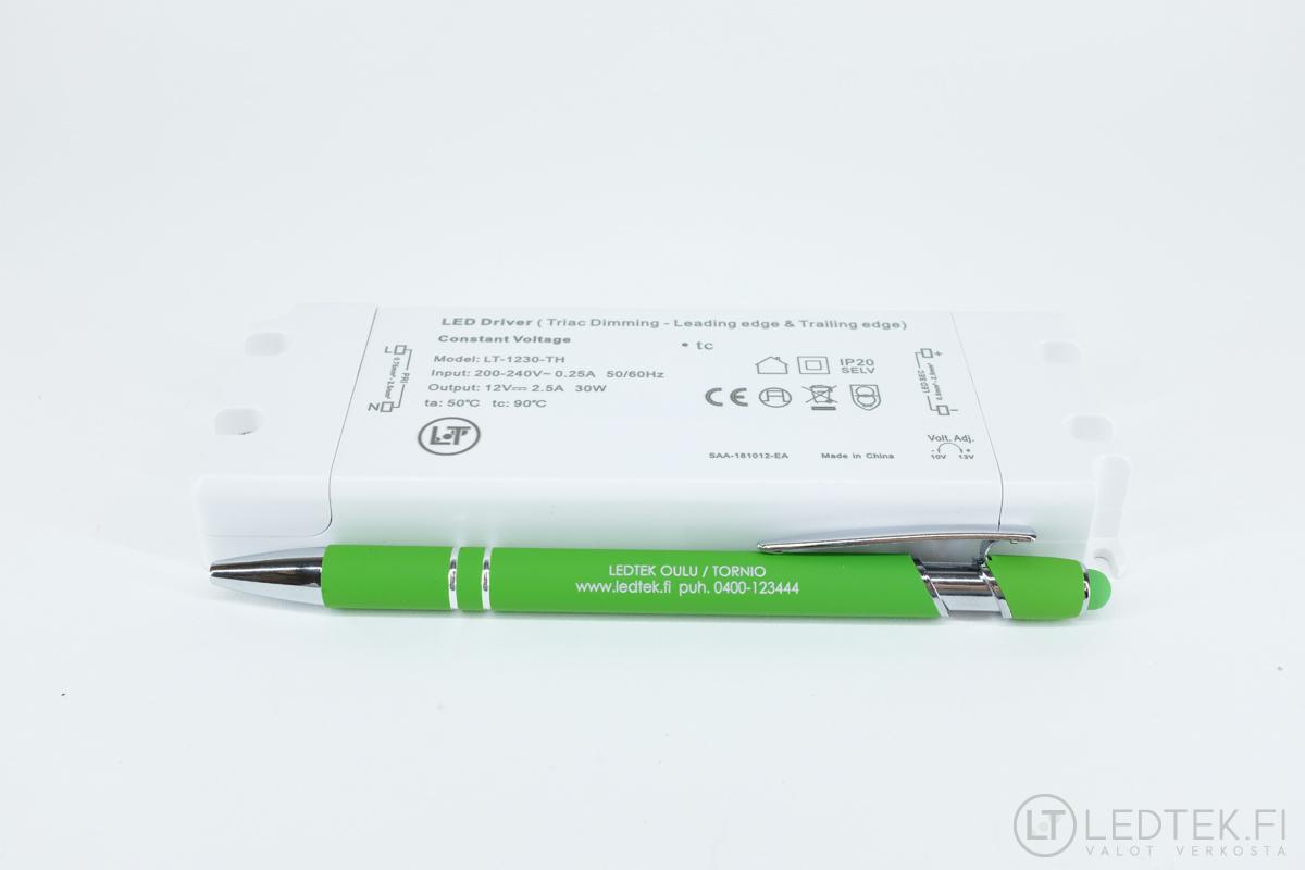 Triac himmennettävä LED-muuntaja 30W 12V